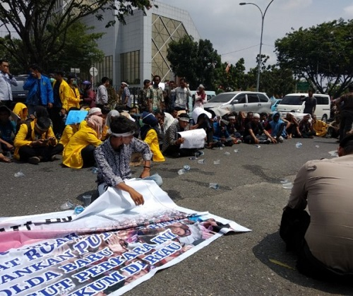 Lagi Polda Riau Di Demo