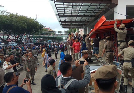 Ketua DPRD Pekanbaru Sayangkan Bentrokan di STC