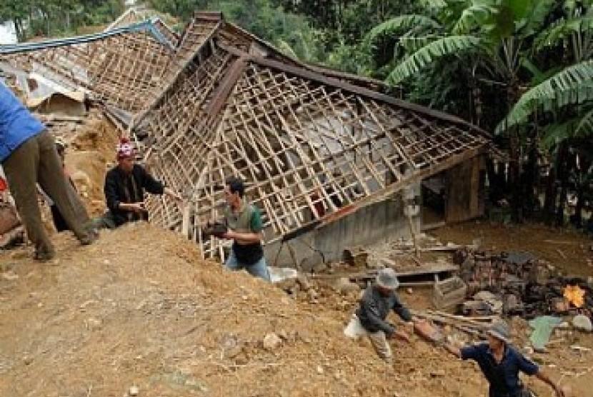 Longsor, Puluhan KK di Kulon Progo Mengungsi