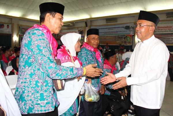 Gubri Lepas JCH Kloter I Riau ke Tanah Suci dari Batam