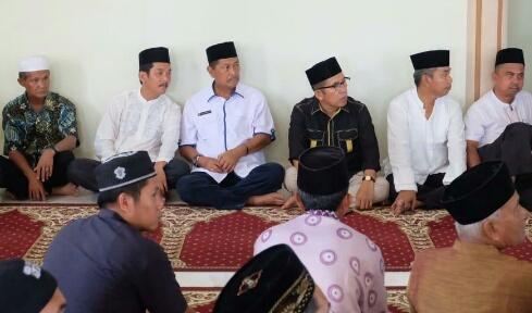 Wakil Bupati Inhil Hantarkan Jenazah H Muslimin Mabbate Menuju Peristirahatan Terakhir