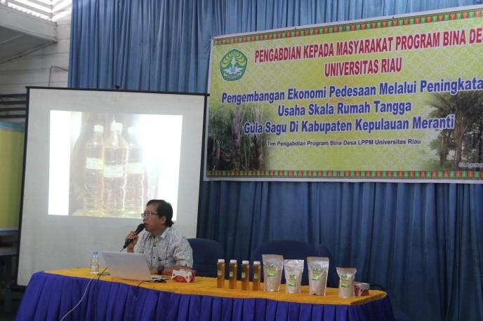 Tim LPPM Bina Desa Ajarkan Pengrajin Gula Sagu