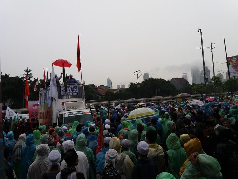 Ratusan Massa Aksi 212 Jilid II Mulai