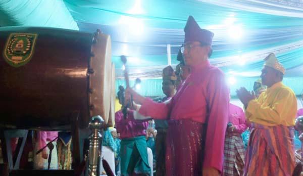 Bupati Inhil Buka MTQ Ke - 47 Kabupaten Inhil Tahun 2017 Di Pulau Kijang, Reteh