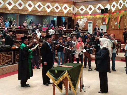 Nurzaman Resmi Menjadi PAW Hardianto di DPRD Riau