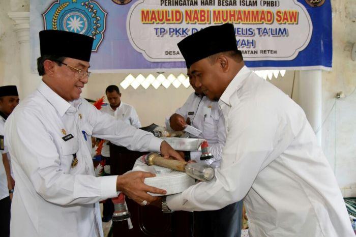 HM.Wardan Serahkan Bantuan 2 Unit Alat Pencegah Kebakaran