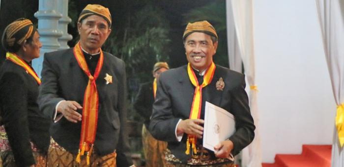 Bupati Siak Peroleh Gelar Kehormatan Kanjeng Raden Tumenggung Dari Keraton