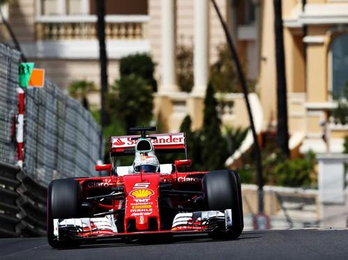 Vettel Nilai Ferrari Seharusnya Bisa Lebih Baik Lagi