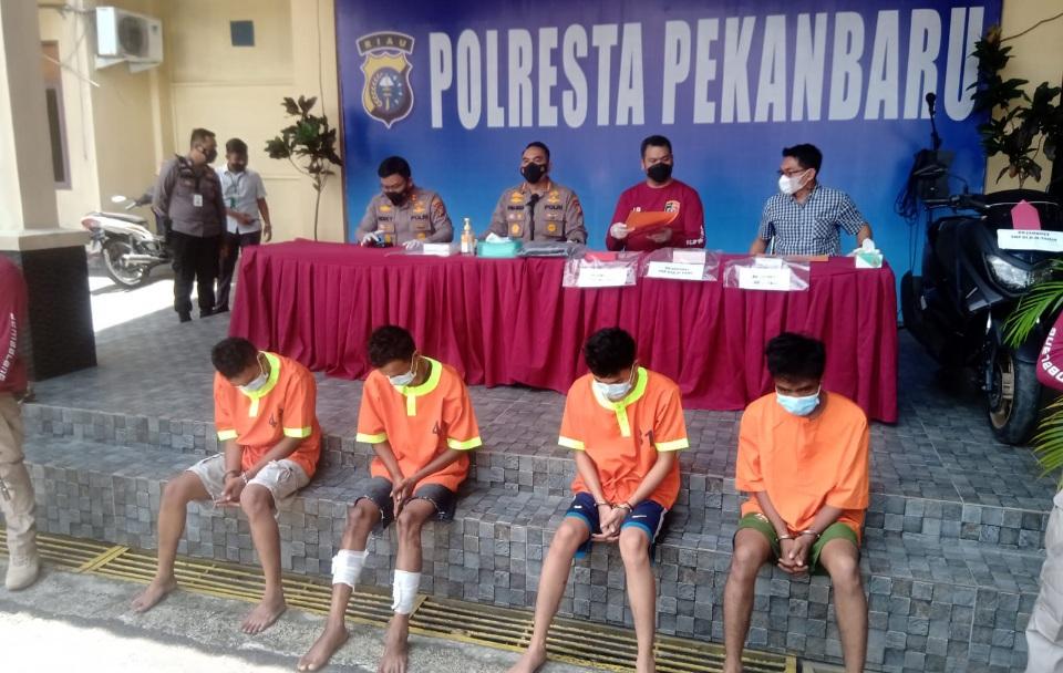 Jembalang Resmob Polresta Pekanbaru Gulung Komplotan Jambret