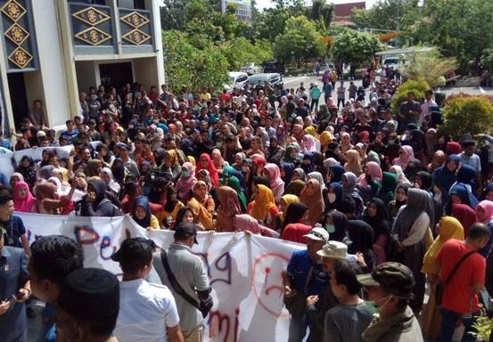 Perwakilan Pedagang Rapat Tertutup Bersama DPRD Pekanbaru