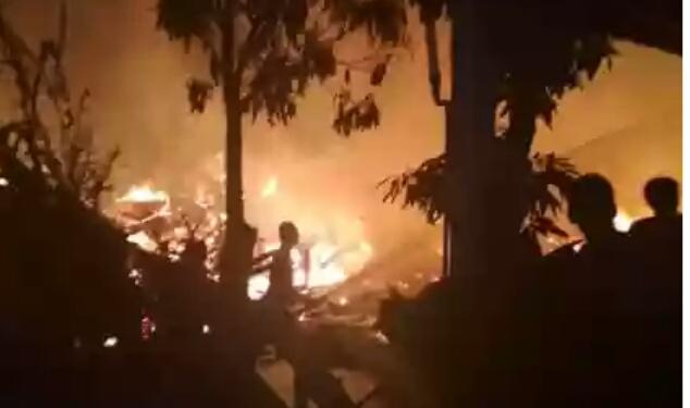 Kebakaran di Pulau Palas Inhil, 8 Rumah Hangus Terbakar