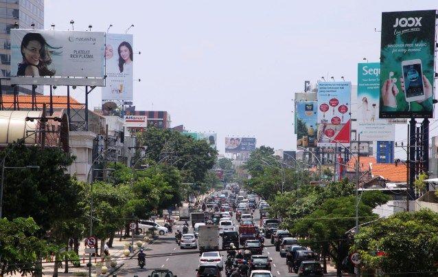 Pemko Pekanbaru Bentuk Tim Penertiban Tiang Reklame Ilegal