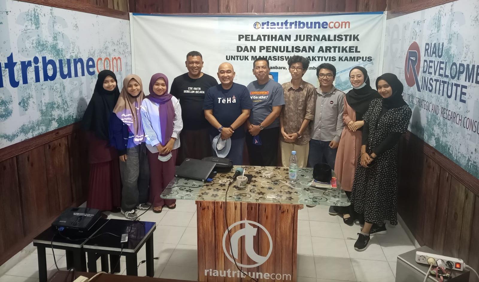 Posko Rumah Peradaban dan Riautribune.com Gelar Pelatihan Jurnalistik