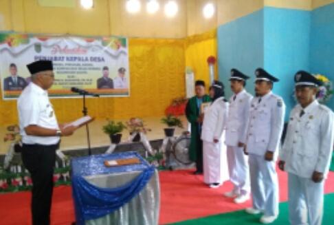 Pjs Bupati Inhil Lantik 5 Penjabat Kepala Desa Kecamatan Gaung
