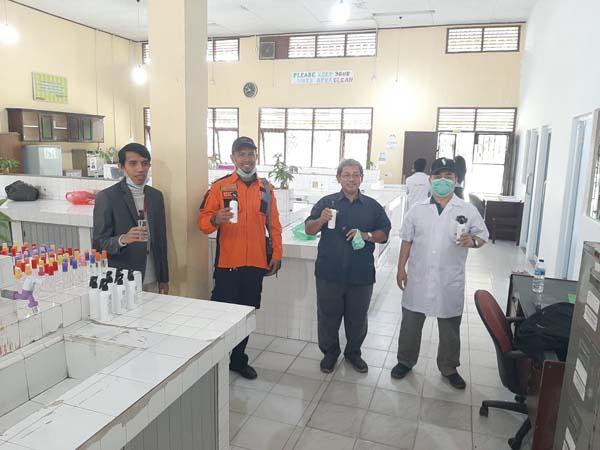 Relawan Unri Kembali Distribusikan Cairan Sanitizer