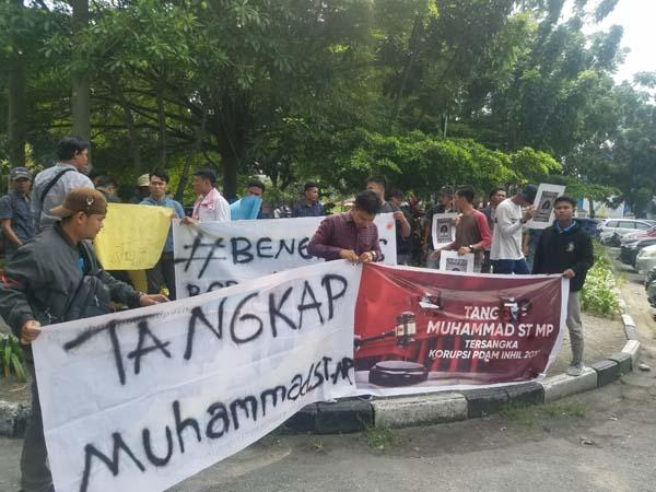 Kapolri Tiba di Riau, Mahasiswa Demo Minta Wabup Bengkalis Ditangkap