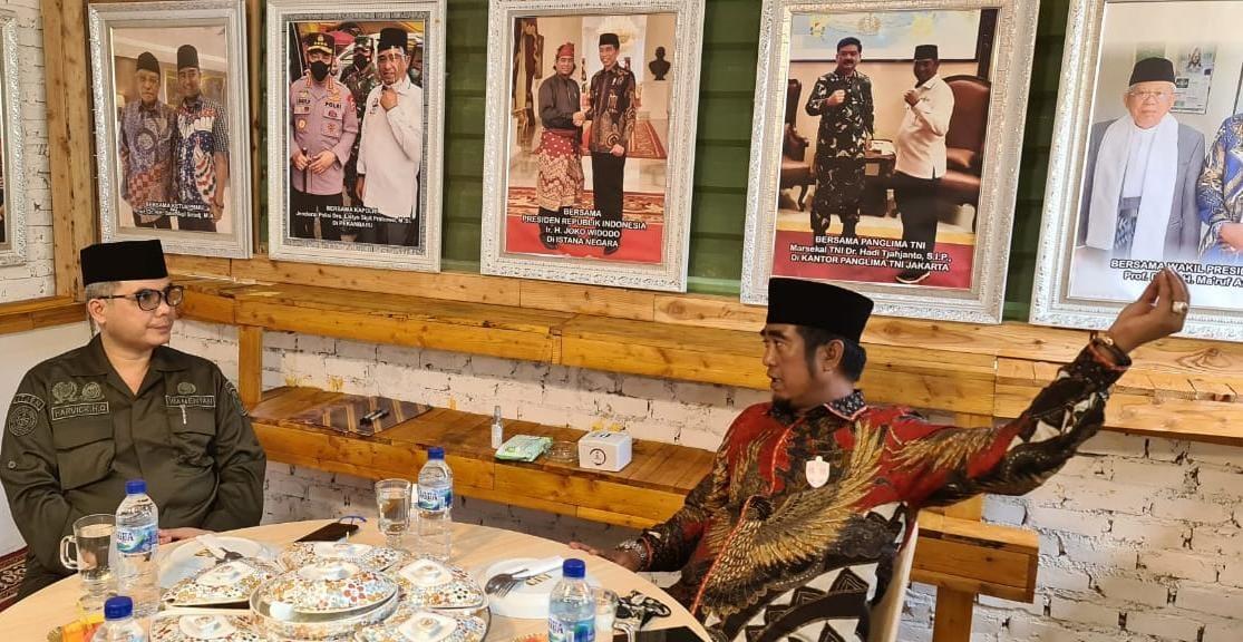 Wakil Menteri Pertanian Harvick Hasnul Qolbi Bersilaturahmi dengan Ketum DPP Santan NU