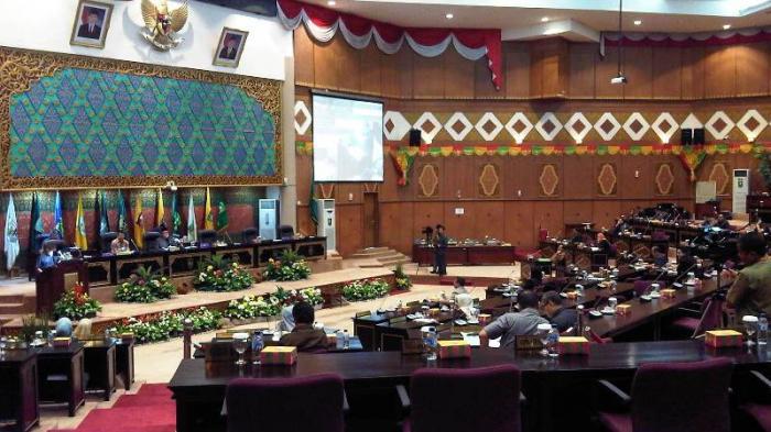 Gubri Dan Sekda Tak Hadiri Paripurna Pemilihan Wagubri