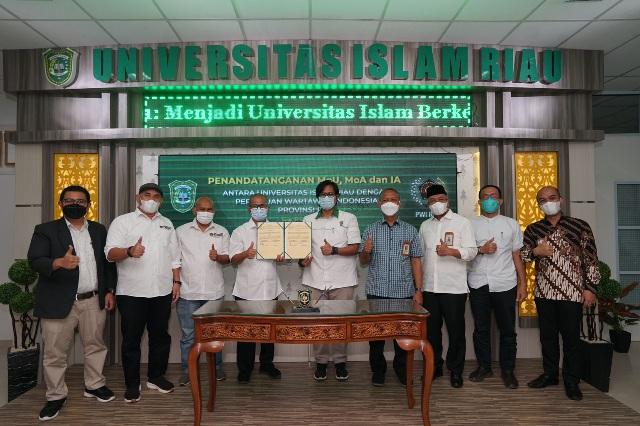 Kerjasama Bidang Catur Dharma Perguruan Tinggi, UIR dan PWI Teken Sejumlah Kesepakatan Kerja Sama