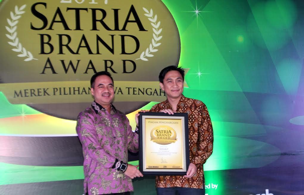 SHARP Indonesia Kembali Juarai Indonesia Green Awards (IGA) 2017