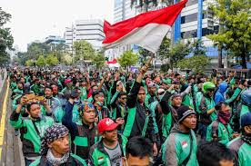 Ojol Gelar Aksi Massa di Depan Kompleks Parlemen
