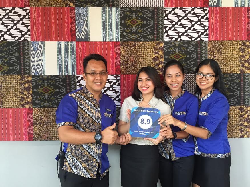 Batiqa Hotel Pekanbaru Raih Guest Review Award 2016