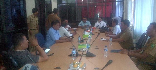 DPRD Inhu Dan Inhil Gelar Rapat Bahas Pembangunan Jalan Lintas Antar Kabupaten