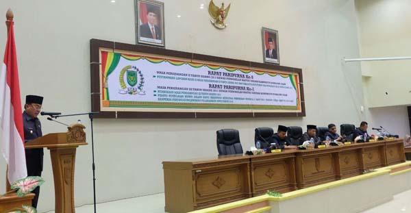 Bupati Inhil Sampaikan Penjelasan Perubahan Perda Tentang RPJMD Tahun 2013 - 2018