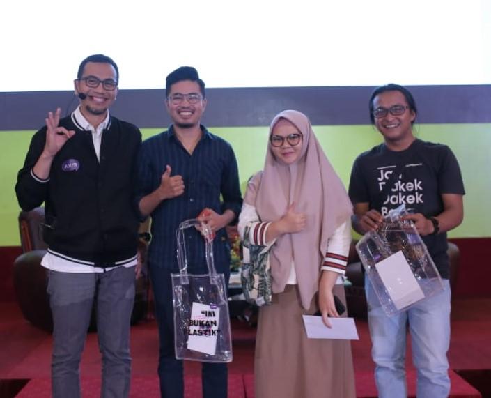 AXIS Gelar Pop Up Campus di Padang