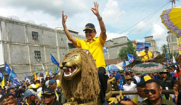 Wardan-SU Disambut 10 ribuan Simpatisan, Pada Kampanye Akbar di Kotabaru
