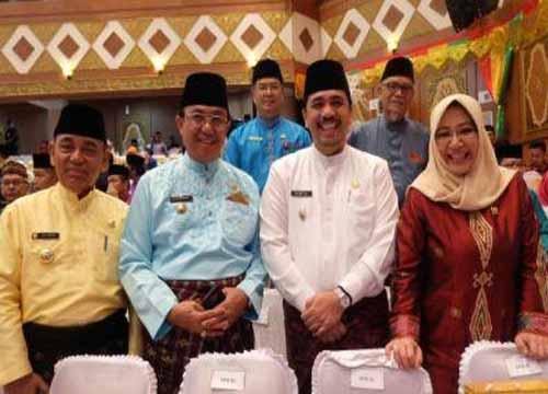 Bupati Wardan  Hadiri HUT ke-60 Provinsi Riau Di DPRD Riau