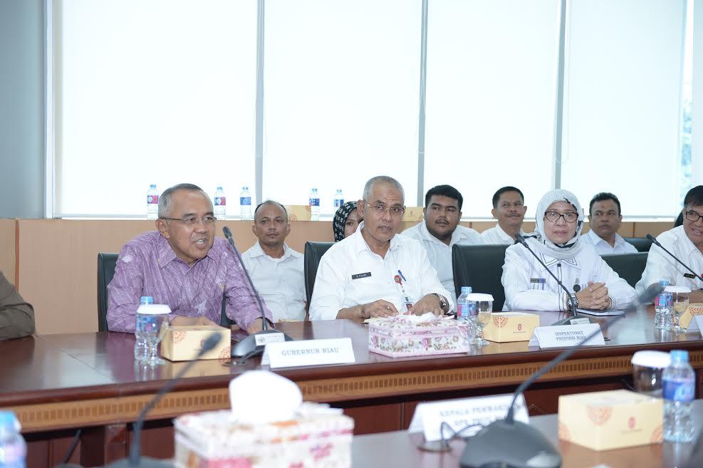 Gubri Hadiri Penyampaian Hasil Pemeriksaan Kinerja 2015 s.d 2016 Provinsi Riau