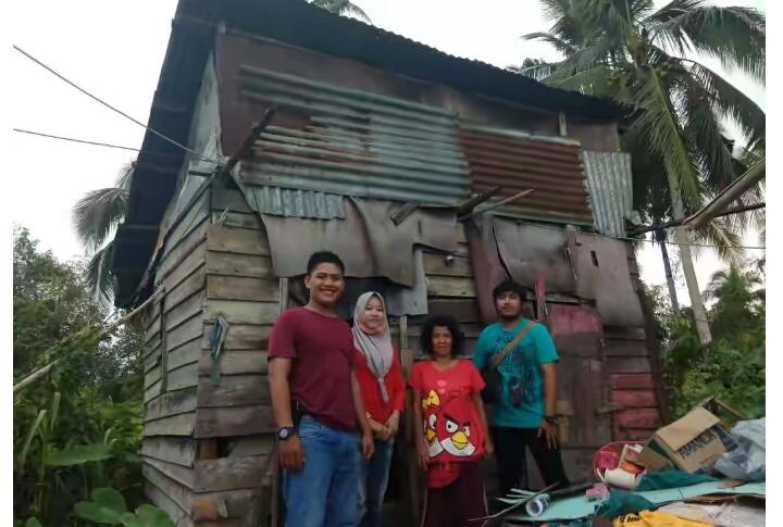 Kisah Hidup Keluarga Miskin di Inhil, Tinggal di Gubuk yang Nyaris Ambruk Tapi Pantang Mengemis
