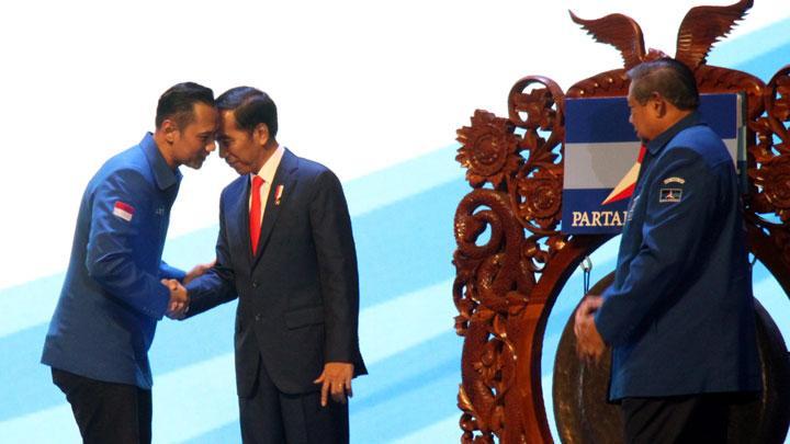 Kata PDIP Soal Survei yang Menangkan Pasangan Jokowi-AHY