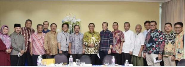Bupati Pimpim Delegasi Lobi Pusat untuk Dongkrak Harga Kelapa