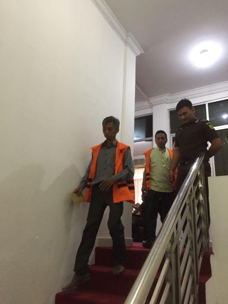 Kejati Riau Kembali Tahan Tersangka Kasus Korupsi Lampu Jalan