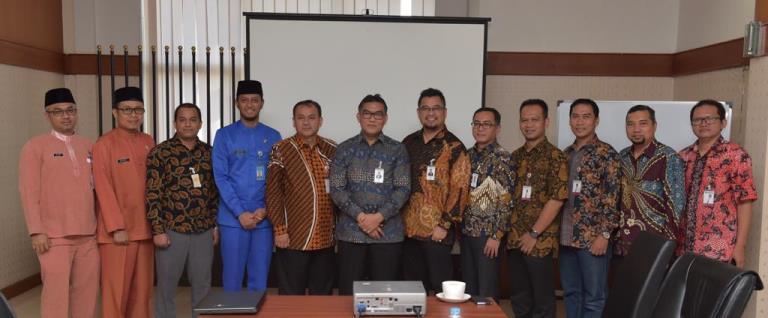 Bank Banten Berkunjung ke Bankriaukepri Belajar Penerapan Pajak Online