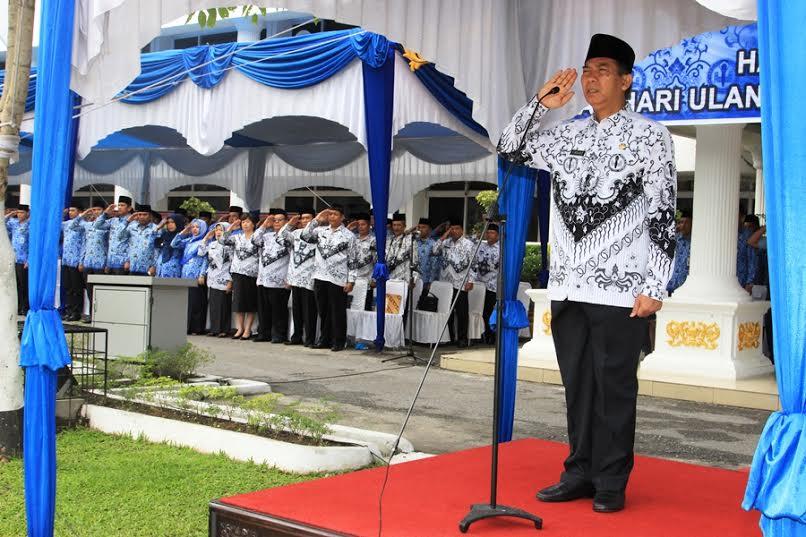 Walikota Pimpin Upacara Hari Guru dan HUT PGRI ke-70