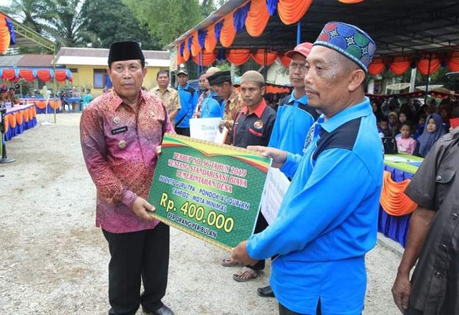 Bupati Sukiman Beri Apresiasi BUMDesa Desa Kota Raya