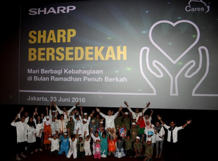 SHARP Tebar Kebahagiaan melalui SHARP Bersedekah