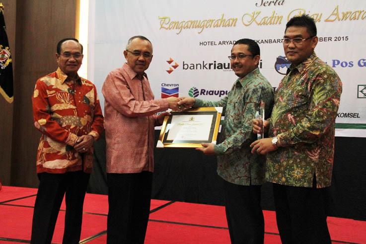 Bank Riau Kepri Raih Penghargaan Kadin Awards 2015
