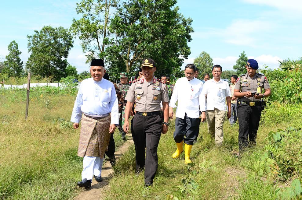 Gubri Tinjau Lokasi Tanah Hibah Pembangunan SPN Polda Riau