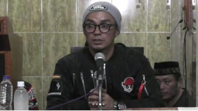 Balada Ustaz Gaul Evie Effendi yang Dipolisikan karena Ceramahnya