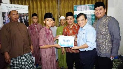 Alumni Penerima Beasiswa Tanoto Foundation Riau Berbagi ke  Anak Yatim