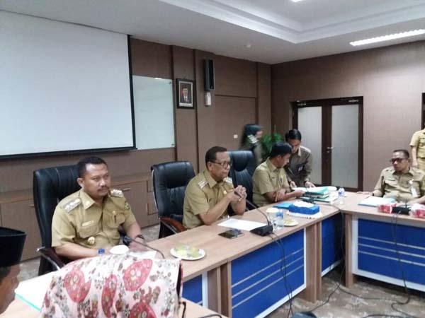 Bupati dan Wabup Adakan Rapat Tertutup Bersama Pejabat Kampar