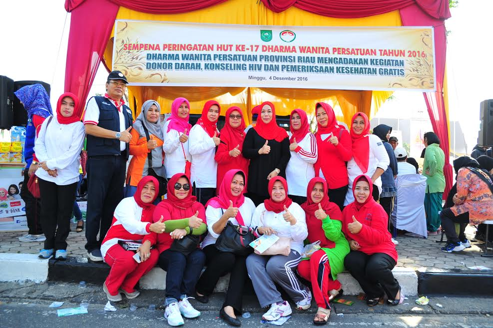 Ketua DWP Prov Riau Tinjau Posko Pemeriksaan Kesehatan