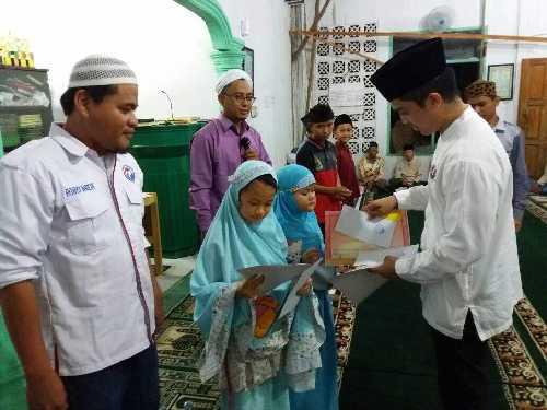 Kunjungi Masjid Baitul Amal, DRP Ajak Kaum Muda Bergiat Bangun Kampung Halaman