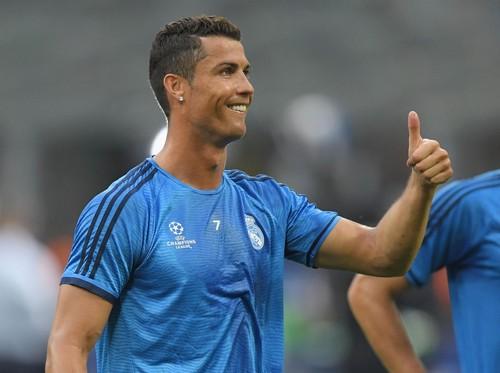 Ronaldo Diejek Suporter, Pemain Real Madrid Lain Membela