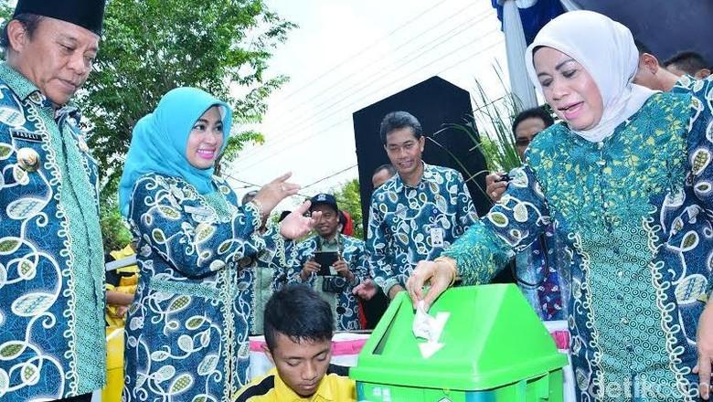 Tempat Sampah Ciptaan Pelajar di Lamongan ini Dilengkapi Nada 'Terima Kasih'