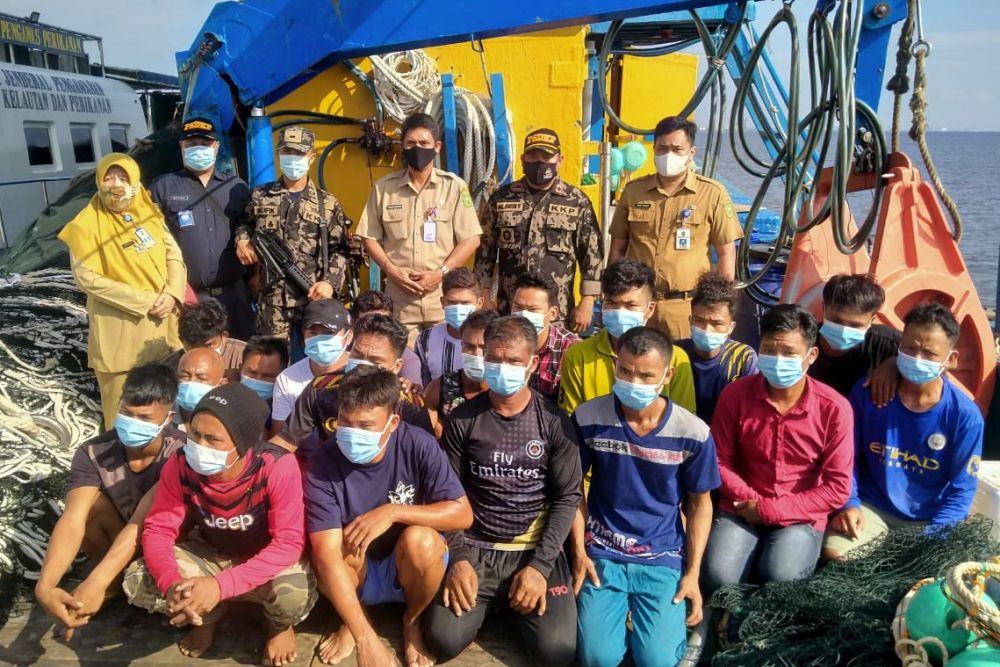 Curi Ikan di Perairan Rohil, Kapal Berbendera Malaysia Diamankan Petugas Patroli